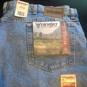 Men's sz 44x28 new wrangler relaxed jeans